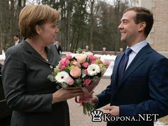 Ангела Меркель не нашла различий между Путиным и Медведевым