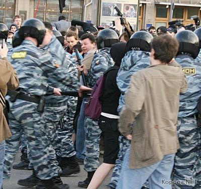 Милиционеры избили участников акции против милицейского беспредела.